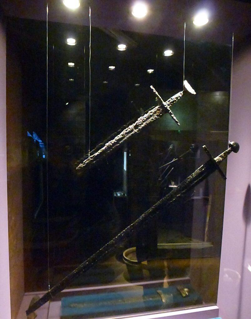 miecze z XIII wieku